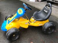 Kids Electric Car (Almost new) + extra battery