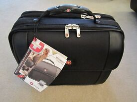 "Wenger COMET Laptop Briefcase Black 15.4"" (WA-7411-02F00) brand new with tags"