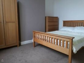 Room in a houseshare with excellent transport links