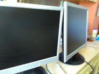2 LCD screens, speakers and keyboard.