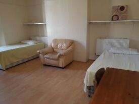 DOUBLE ROOM - shared accommodation for 2 persons, West Gate Road, NE4 6PL