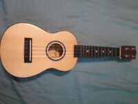 Amigo AMU18 accoustic ukulele. Good condition