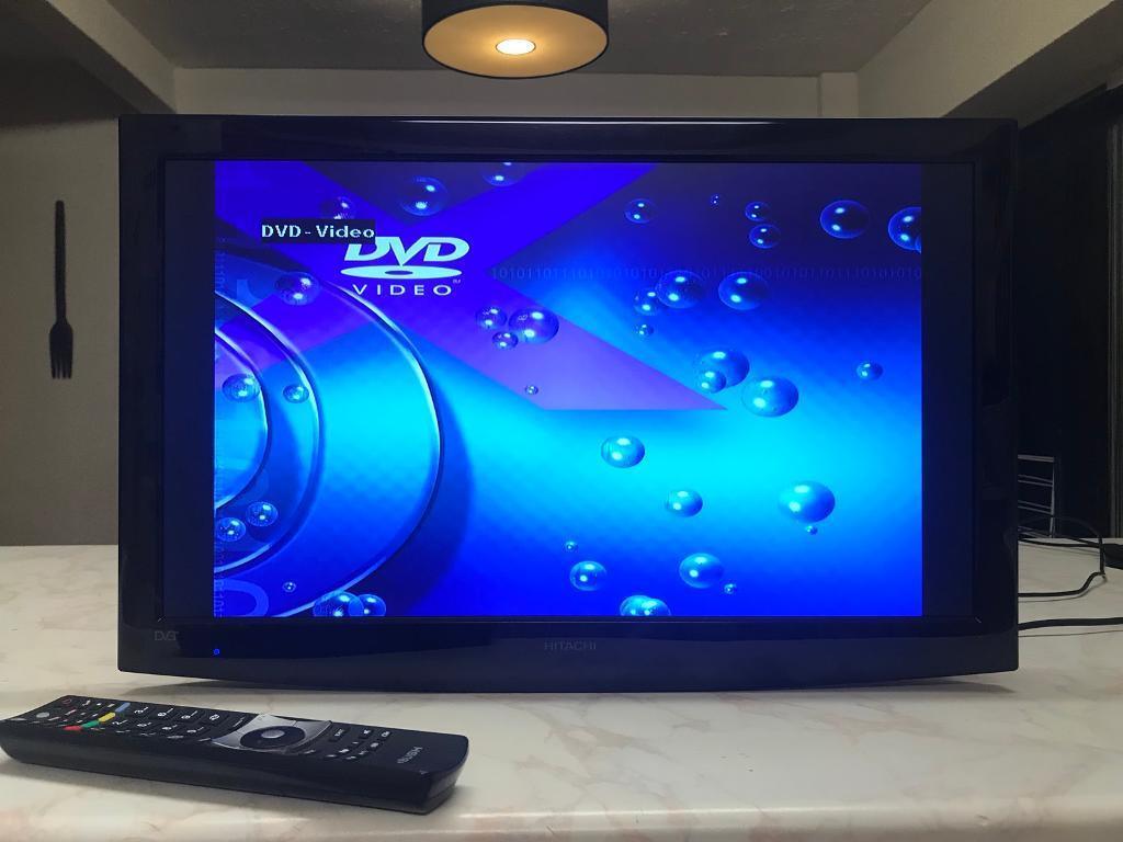 24 inch hitachi led tv dvd combo in swindon wiltshire. Black Bedroom Furniture Sets. Home Design Ideas