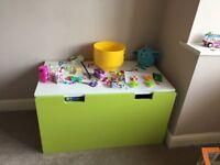 Kids storage chest