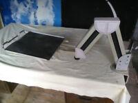 Adjustable equipment support arm