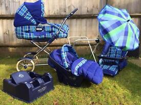 Mamas and Papas bundle: chassis, carrycot, pushchair seat, car seat, car base, stand