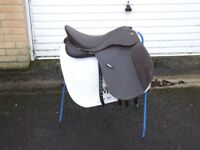wintec saddle for sale in good condion 17 '' first to see will by