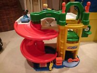 Fisherprice Little People Garage with original cars and people