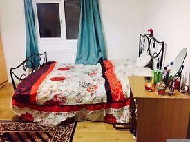 Super size double room at Est Ham