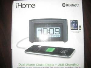 iHome Bluetooth AM / FM Alarm Clock with USB. Mic. Connect Wireless with Smart Phone / Samsung Galaxy / Iphone / Tablet.