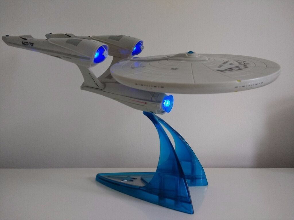 star trek uss enterprise ncc1701 playmates toys 2009