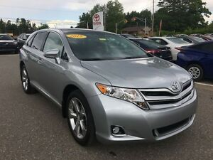 2015 Toyota Venza XLE V6 AWD with Leather!