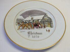 Royal Worcester Christmas Plate Set