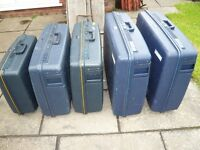 Luggage : set of 5 Delsey suitcases