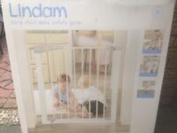 Lindam child safety gate - boxed and never used.