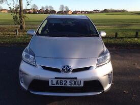 1 OWNER Toyota Prius T4 (2013) MOT 2017 SAT NAV Back Camera 30K Mileage - Finance, P/x Welcome