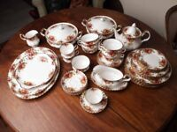 Royal Albert Old Country Roses Dinner & Tea Set/Service, Stunning Condition!