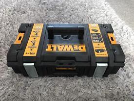 Dewalt ds150 toughsystem box tool box