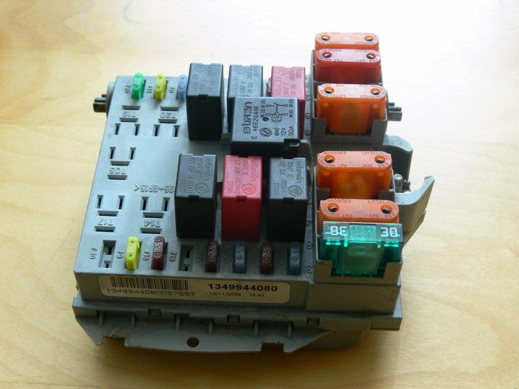 Ignition Main Fuse & Relay Box Citroen Relay (2006-2014)