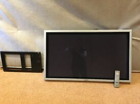 "SILVER PANASONIC TH-42PHD8BS 42"" PROFESSIONAL HDTV MONITOR with bracket/remote, no stand or AV cords"