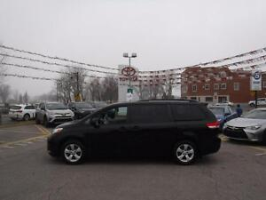 2014 Toyota Sienna LE VEHICULE CERTIFIE TOYOTA a/t-heated seats-