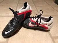 Nike CTR360 sg foot ball boots size 9 Uk