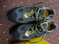 Safety shoes steel toecap