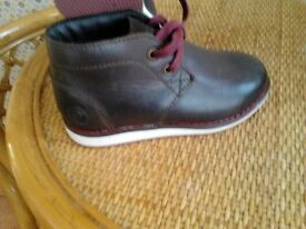 Boy`s (childs) brown leather boots. size 10 £6.00