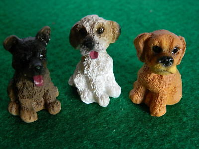 (G5.8) DOLLS HOUSE RESIN SET OF THREE ASSORTED SMALL DOGS/PUPS