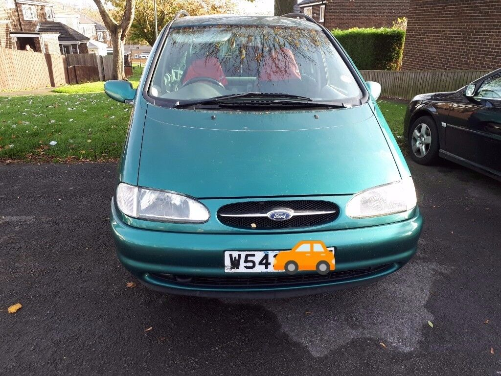 Bottle green Ford Galaxy Spares or repairs