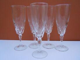 TEN WINE GLASSES