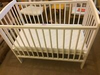 wooden Baby cot 60*100 cm excellent condition with matress