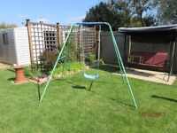 Childs garden swing suitable up to 10 years.