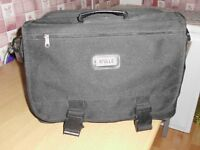 MEN'S LAPTOP BAG