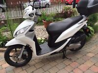 2013 HONDA NSC50 VISION WHITE SPOTLESS LITTLE SCOOTER 3995 MILES CAN RIDE ON CAR LICIENCE £950