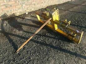 Grays tractor three point linkage single bale spike