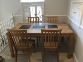 Beautiful dining table and 4 chairs