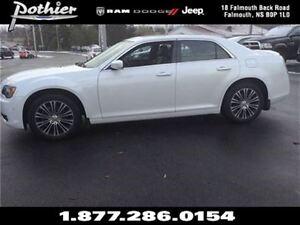 2014 Chrysler 300 S | AWD | SUNROOF | LEATHER | NAV |
