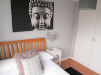 *Wolverhampton*Large Double Room*ALL BILLS INCLUDED*Professional House*AVAILABLE NOW!!*