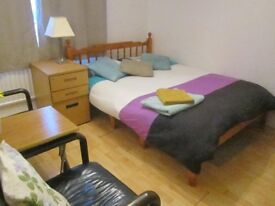 Large fully furnished and redecorated modern doublebedroom, 470 inc