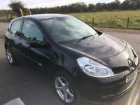 BARGAIN! Renault Clio extreme, full years MOT ready to go