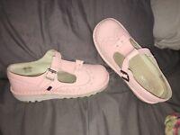 Size 5 pink kickers