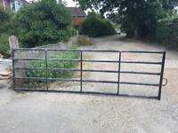 Metal 5 bar gate