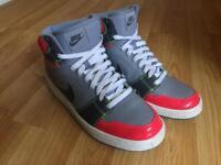 Nike High Tops size 8