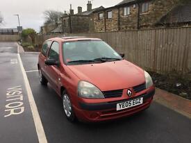 Renault Clio 1.2 75000 miles MOT until sept 17
