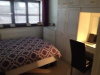 LARGE DOUBLE ROOM AVAILABLE IN A 3 BEDROOM HOUSE