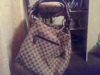 Gucci handbag (Dingwall)