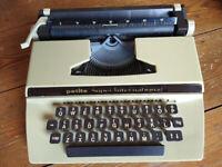 Vintage Petite Super International portable typewriter 1970s