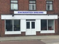 **** INCOME PRODUCING INVESTMENT OPPORTUNITY**** A PROMINENT, MAIN ROAD,TOWN CENTRE PREMISES TO LET