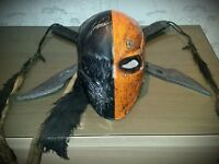 Deathstroke cosplay mask and swords.